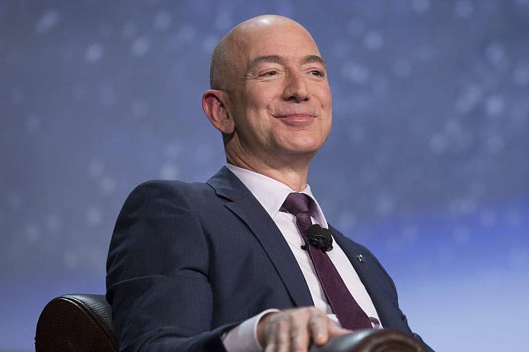 Джефф Безос уходит с поста генерального директора Amazon