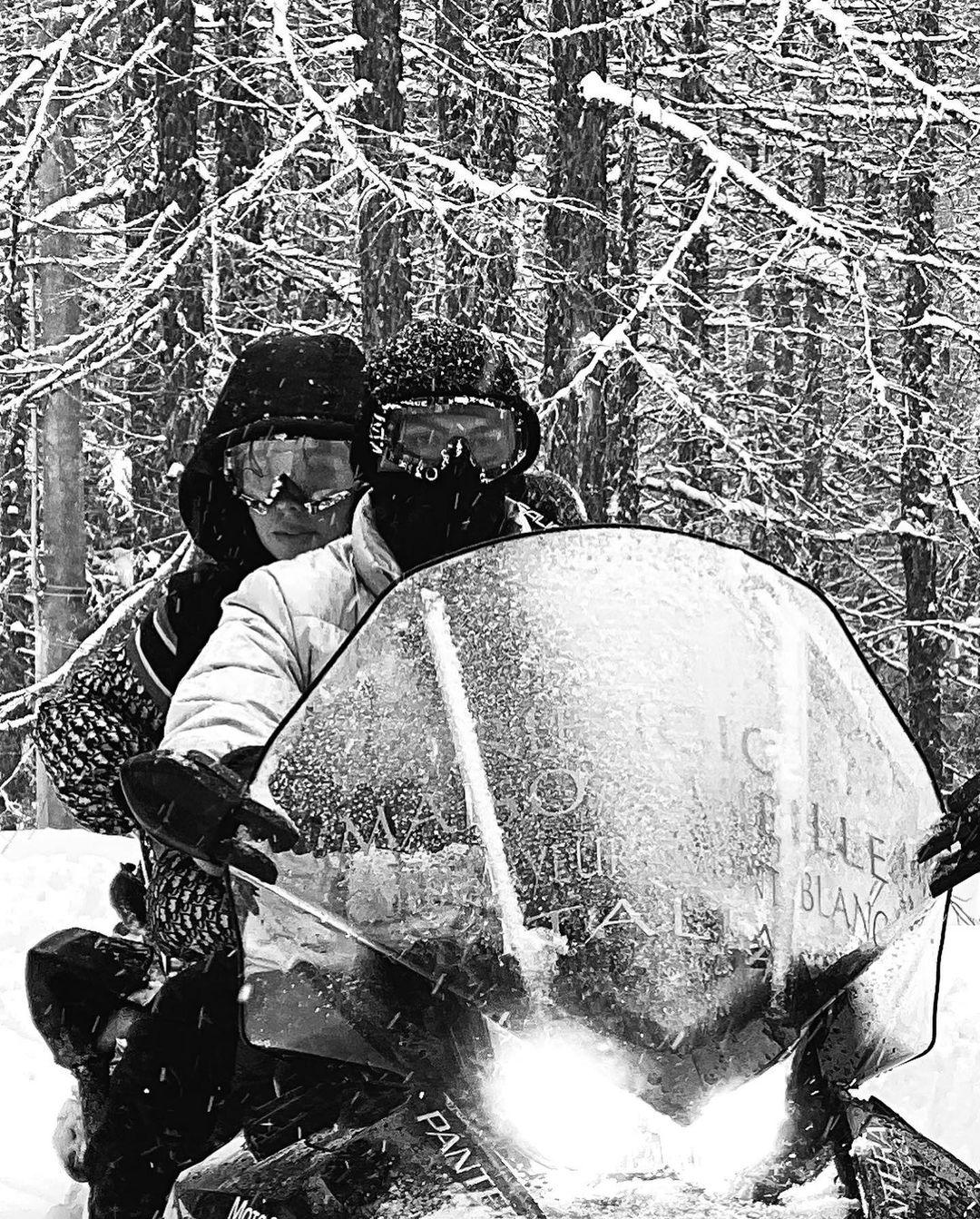 В снежном Турине: Криштиану Роналду и Джорджина Родригес отдыхают в горах