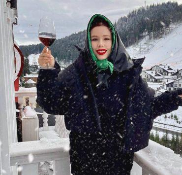 Снег, смех и игристое: как Соня Плакидюк отпраздновала день рождения