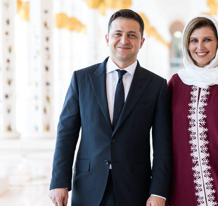 Строгі костюми та хіджаб: що носила Олена Зеленська під час візиту до ОАЕ