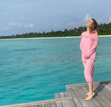 «Сама не верю, но океан у моих ног»: Елена Бурба отметила день рождения на Мальдивах