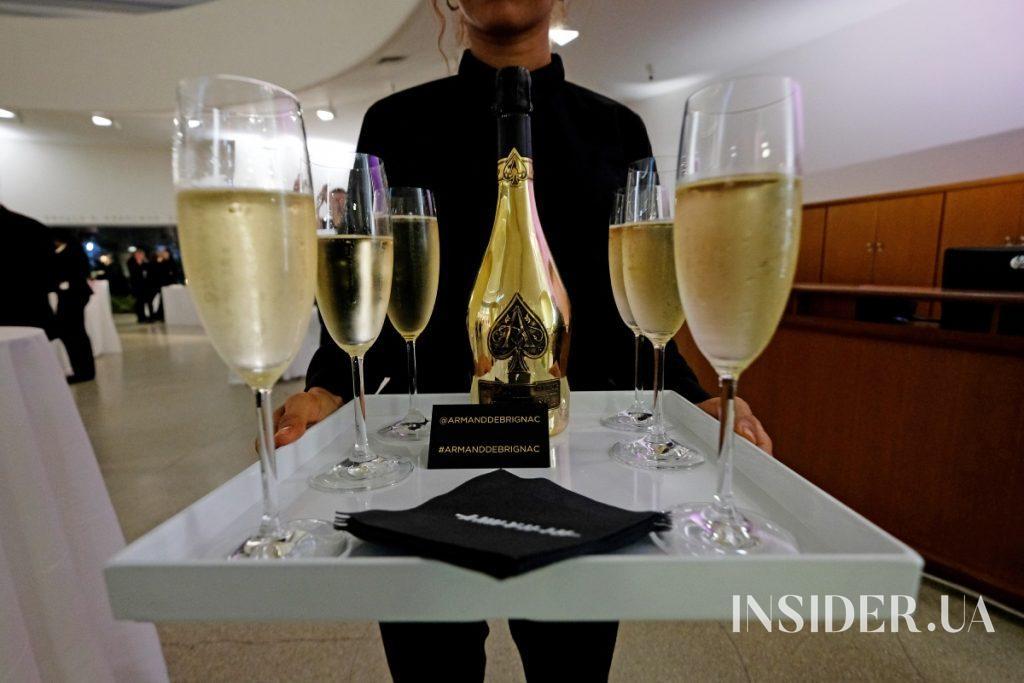 Концерн LVMH покупает у Jay-Z половину его марки шампанского Armand de Brignac