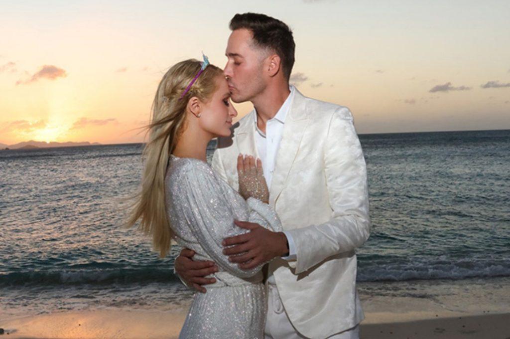 «Я сказала да!»: Пэрис Хилтон выходит замуж за Картера Реума