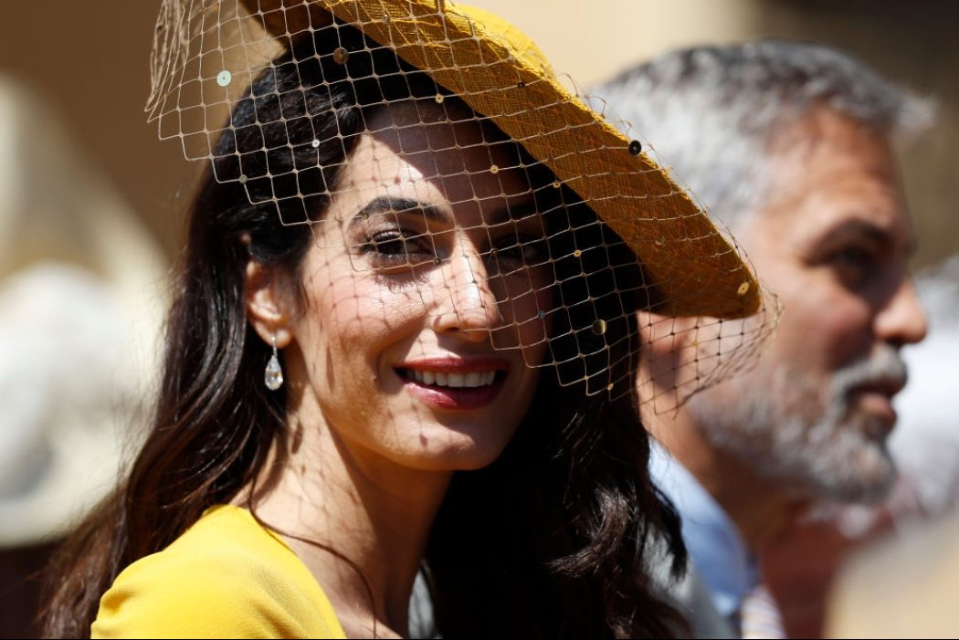 Яркий пример: нескучные образы Амаль Клуни на каждый день