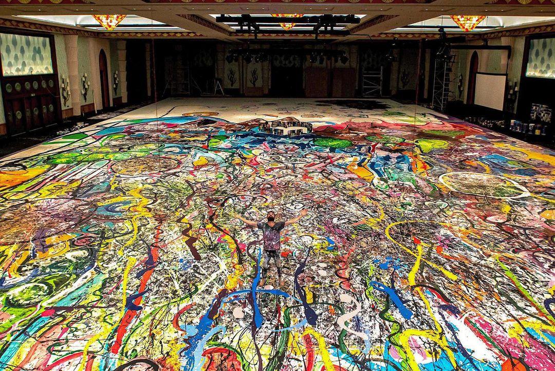 В Дубае продали самую большую картину в мире за $62 миллиона