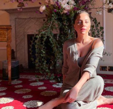 «Все цветы Рима»: как бойфренд поздравил Леди Гагу с днём рождения
