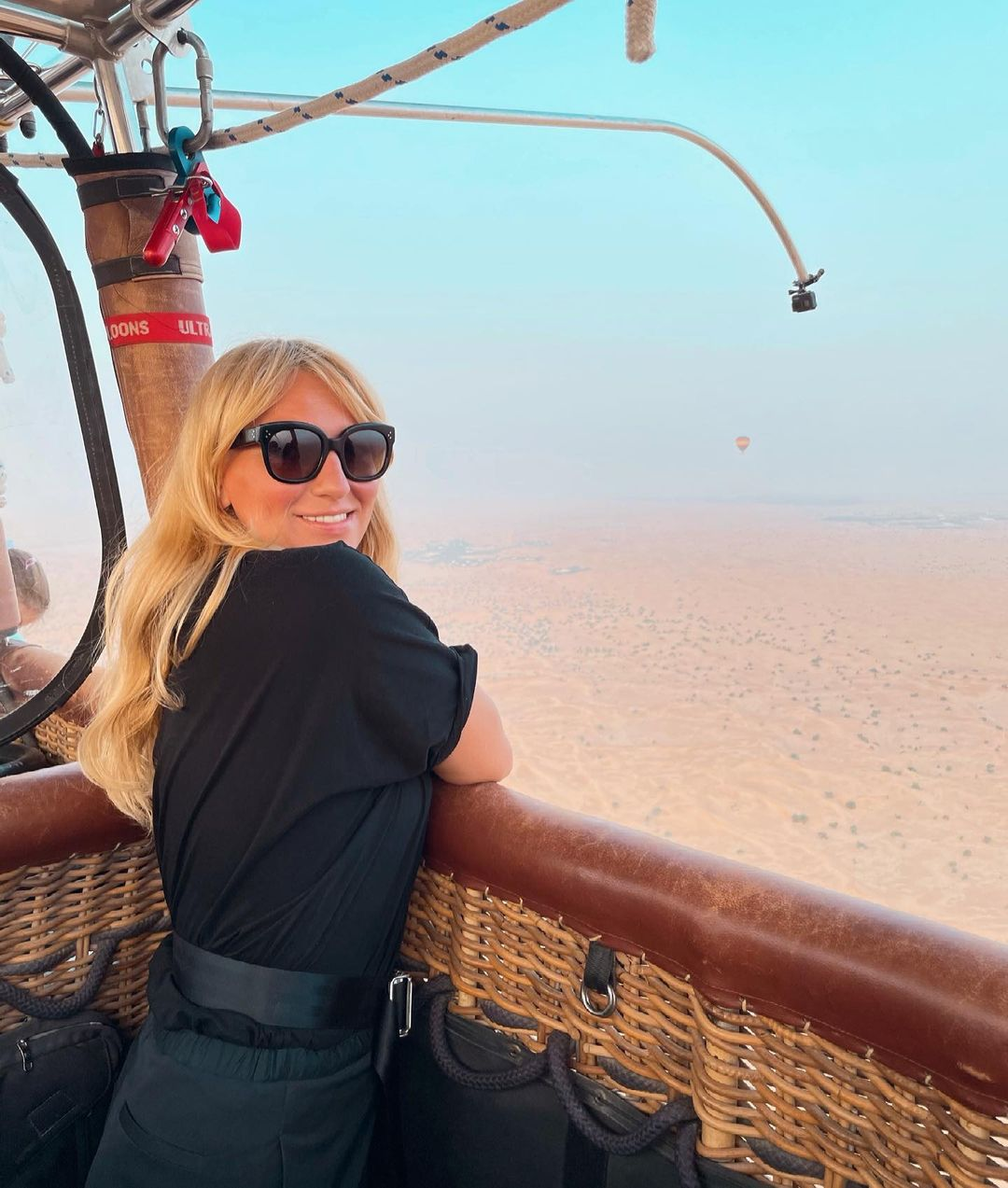 Сафари и фото в пустыне: Анастасия Масюткина, Анна Закусило и Вита Кин отдыхают в ОАЭ