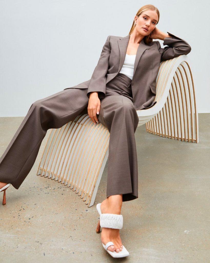 Роузи Хантингтон-Уайтли выпустила дебютную коллекцию обуви