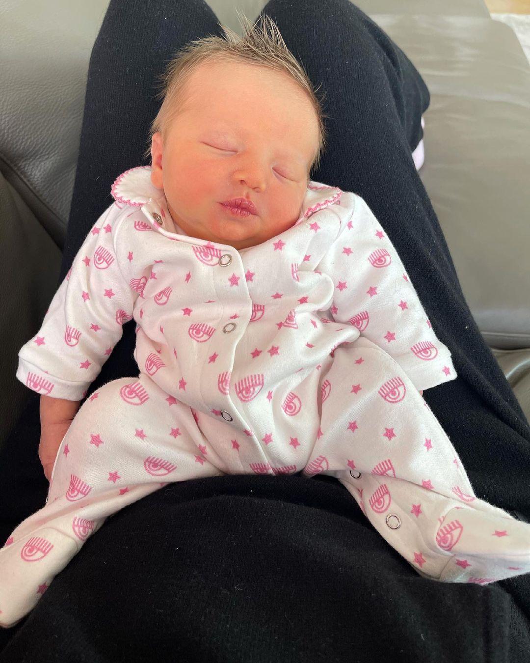 Семейная идиллия: Кьяра Ферраньи вернулась домой из роддома