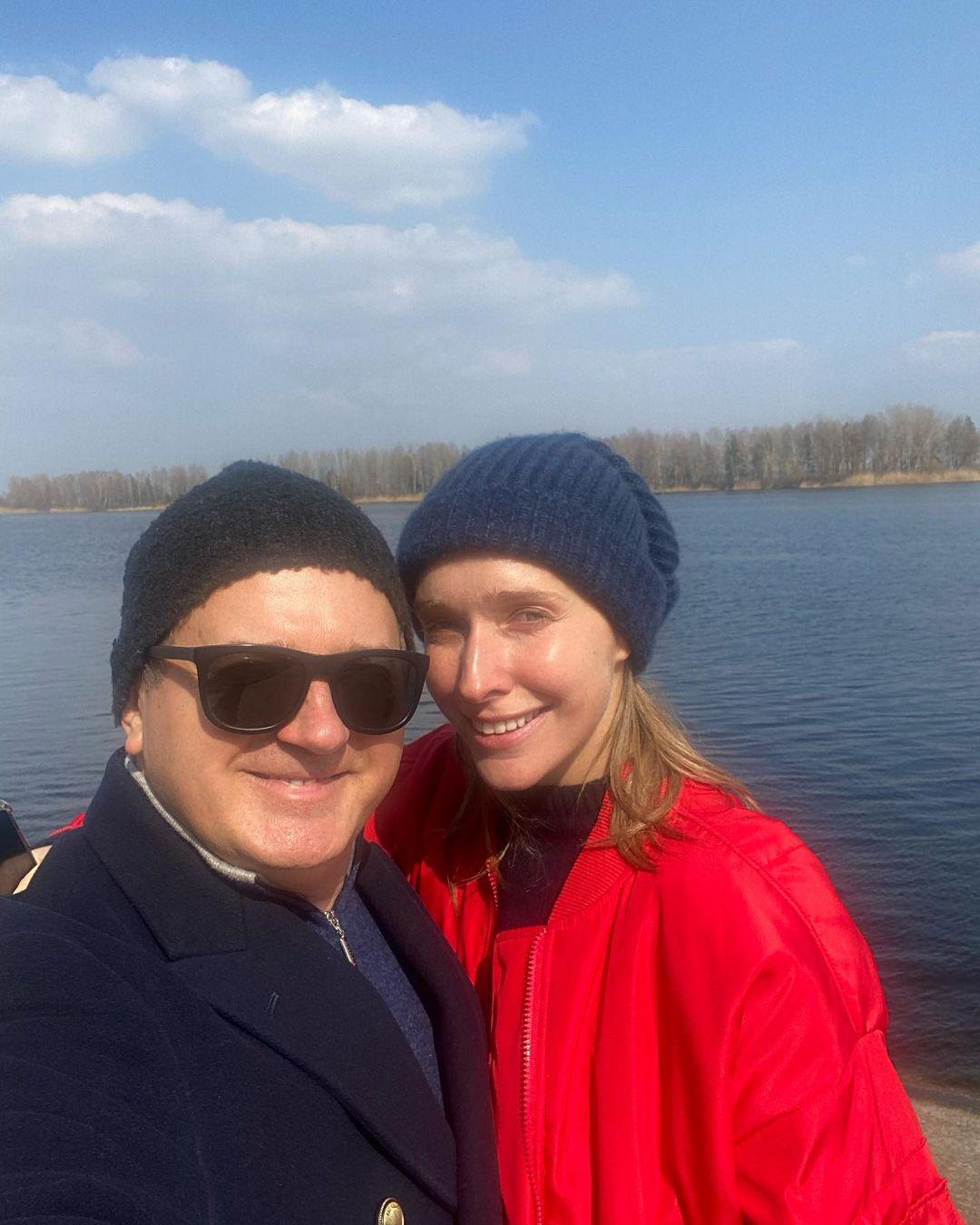Счастливы вместе: семейный уик-энд Кати Осадчей и Юрия Горбунова