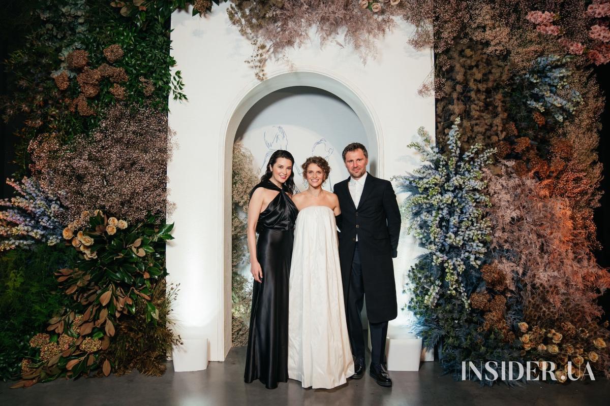 Звуки вальса и звездные друзья: Валерия Гузема устроила благотворительный бал