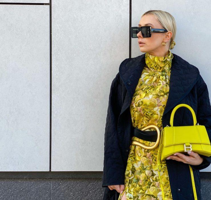 Акцент на колір і аксесуари: найкращі стритстайл образи Тижня моди в Парижі