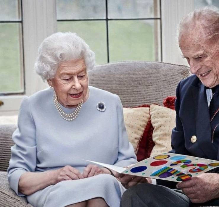 «Она во многом опиралась на мужа»: что ждёт Елизавету II после смерти принца Филиппа