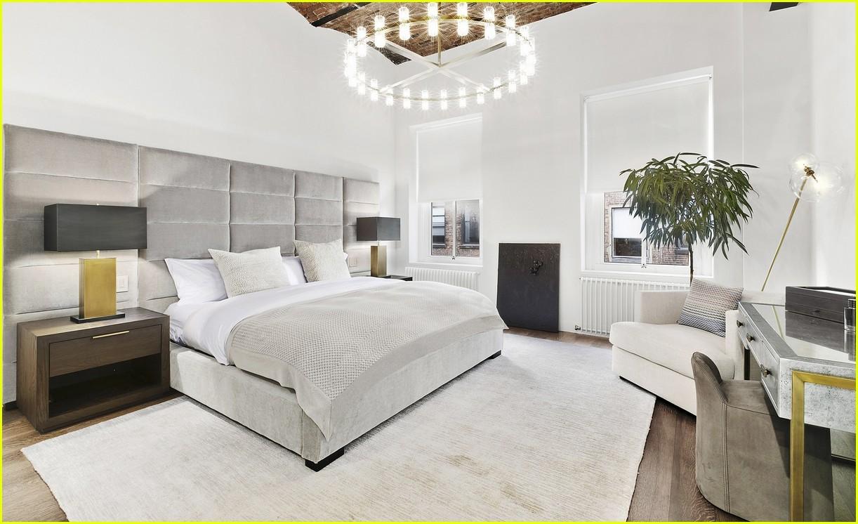 Балкон на крыше и винная комната: Белла Хадид продает свой пентхаус в Нью-Йорке