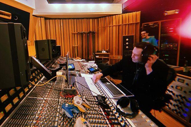 Илон Маск выпустил техно-альбом