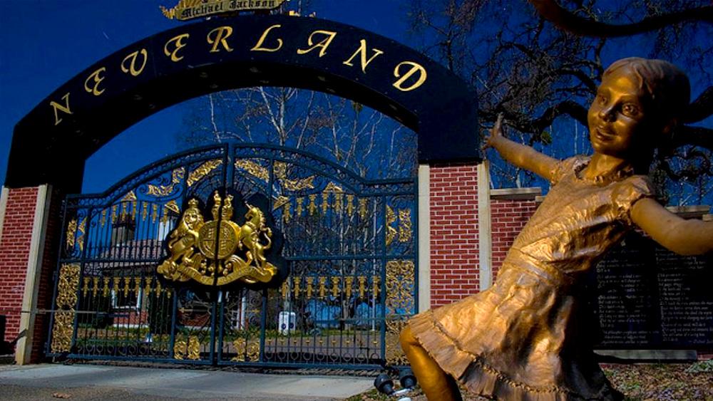 Коллекцию скульптур из поместья Майкла Джексона Neverland выставили на продажу