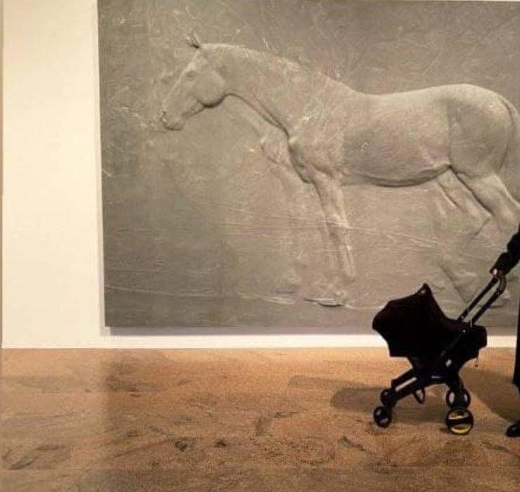День в музее: Джиджи Хадид с отцом и дочкой в «Метрополитене»