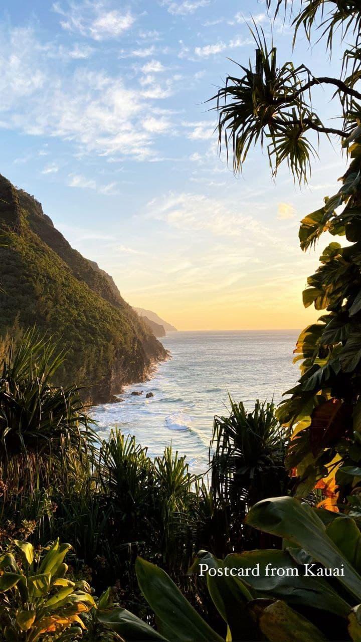 Релакс и фантастические пейзажи: каникулы Софии Евдокименко на Гавайях