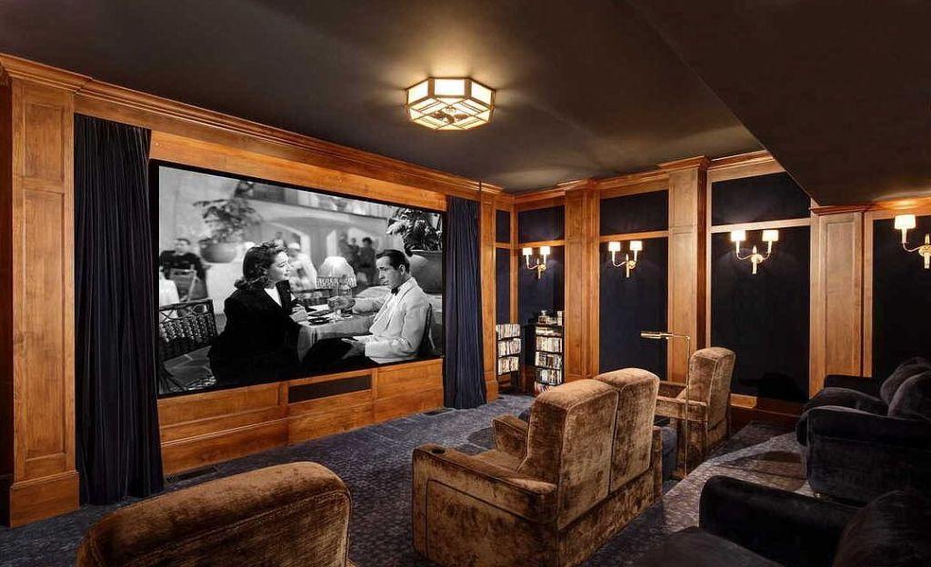 Особистий кінотеатр і королівський сад: новий особняк Двейна Джонсона за $27,8 млн