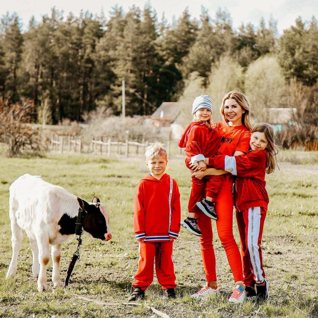 Трое детей и успешный блог: опытом и лайфхаками делится Яна Осипова