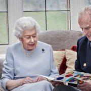 15 памятных фото королевы Елизаветы II и принца Филиппа
