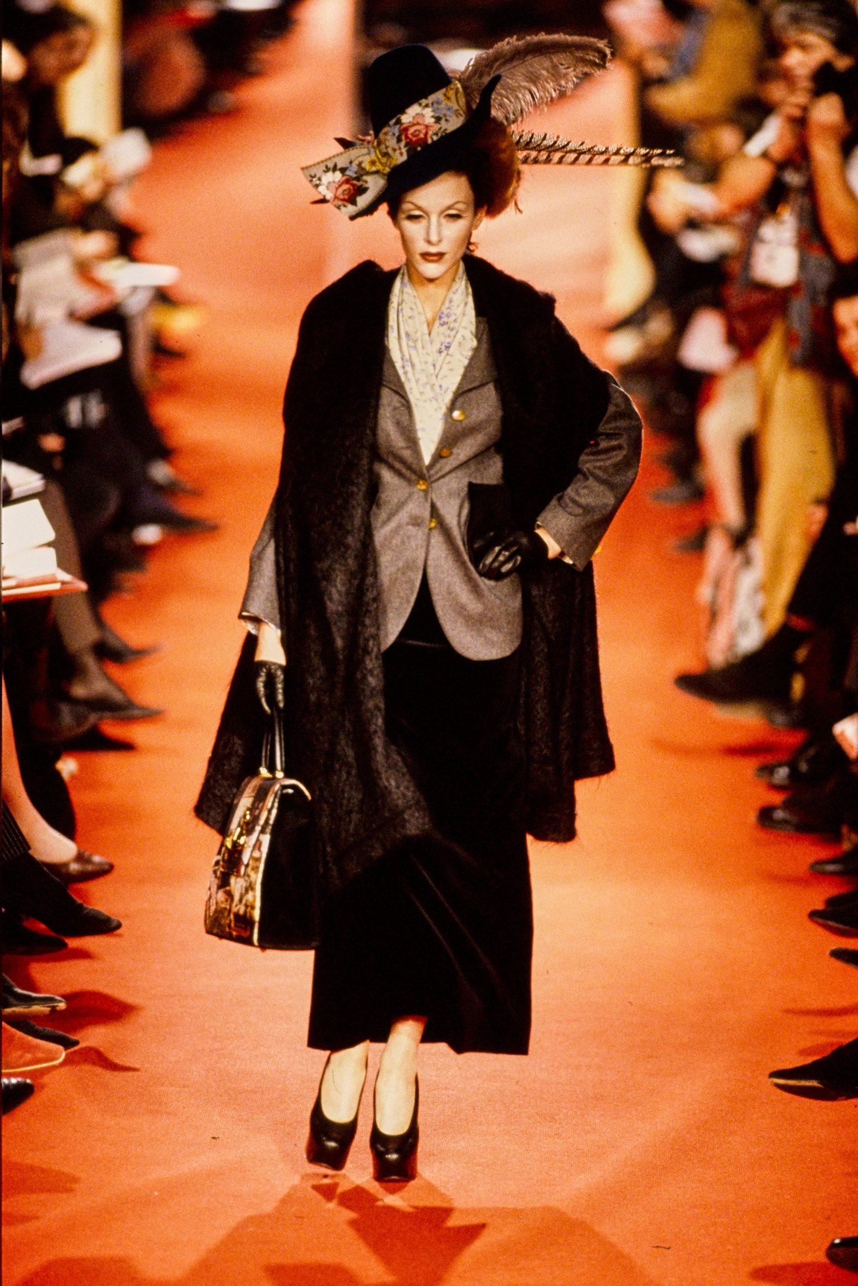 Легендарные показы Вивьен Вествуд оцифровали в честь ее 80-летия