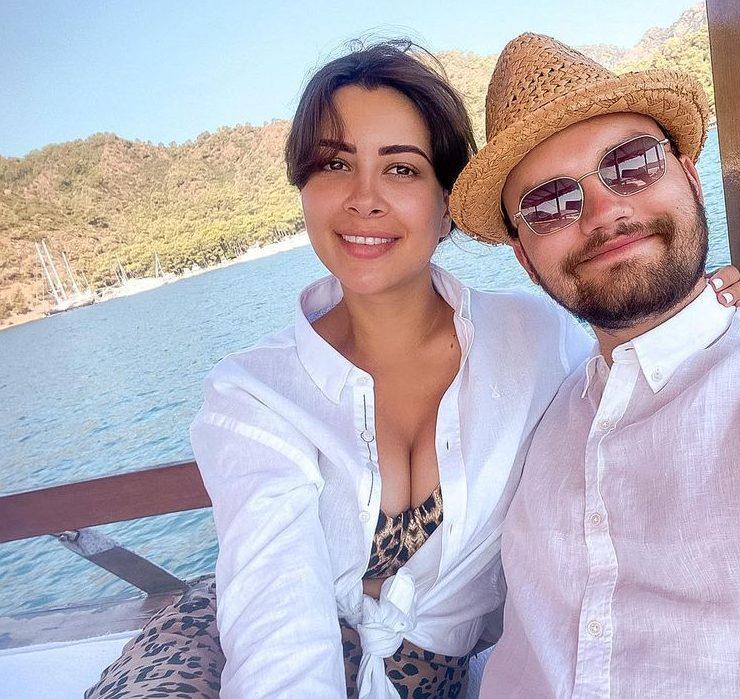 Раміна Есхакзай виходить заміж