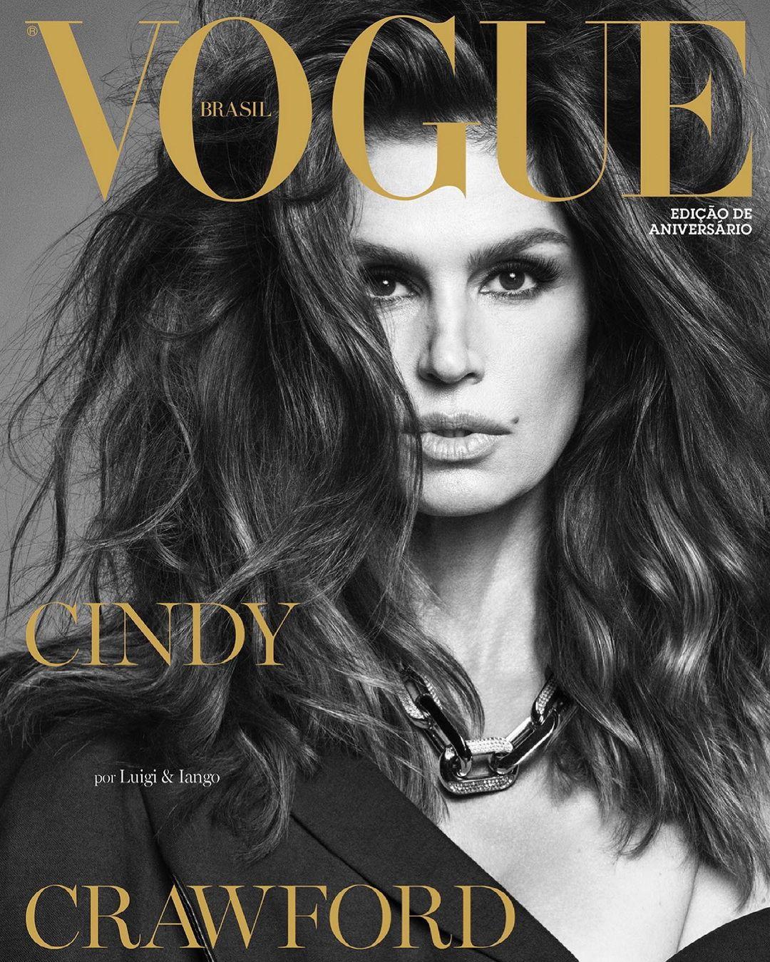 В Louis Vuitton и Versace: новая съёмка 55-летней Синди Кроуфорд