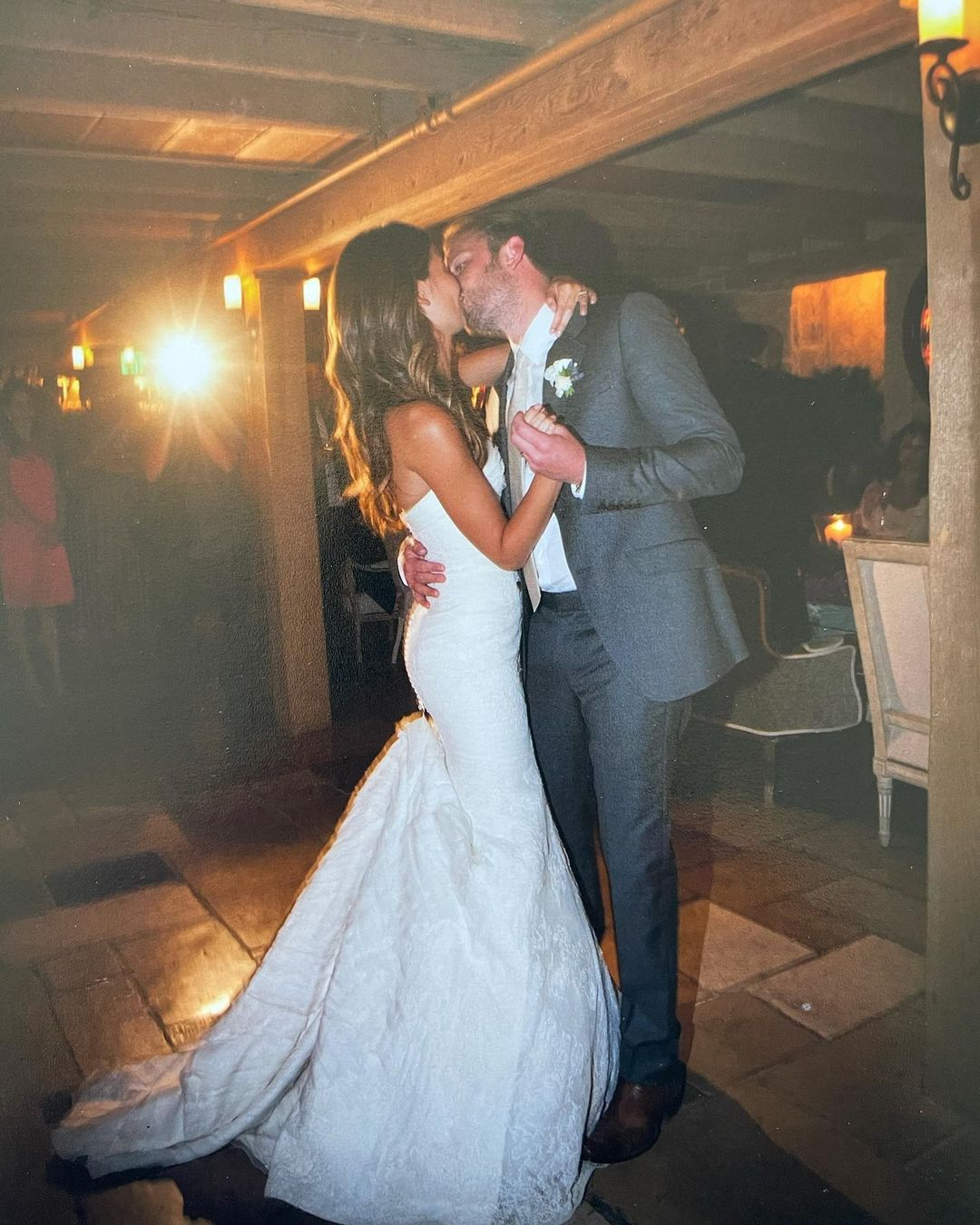 Архивные фото и поздравления Веры Вонг: Лили Олдридж и Калеб Фоллоуилл отмечают 10-летие брака