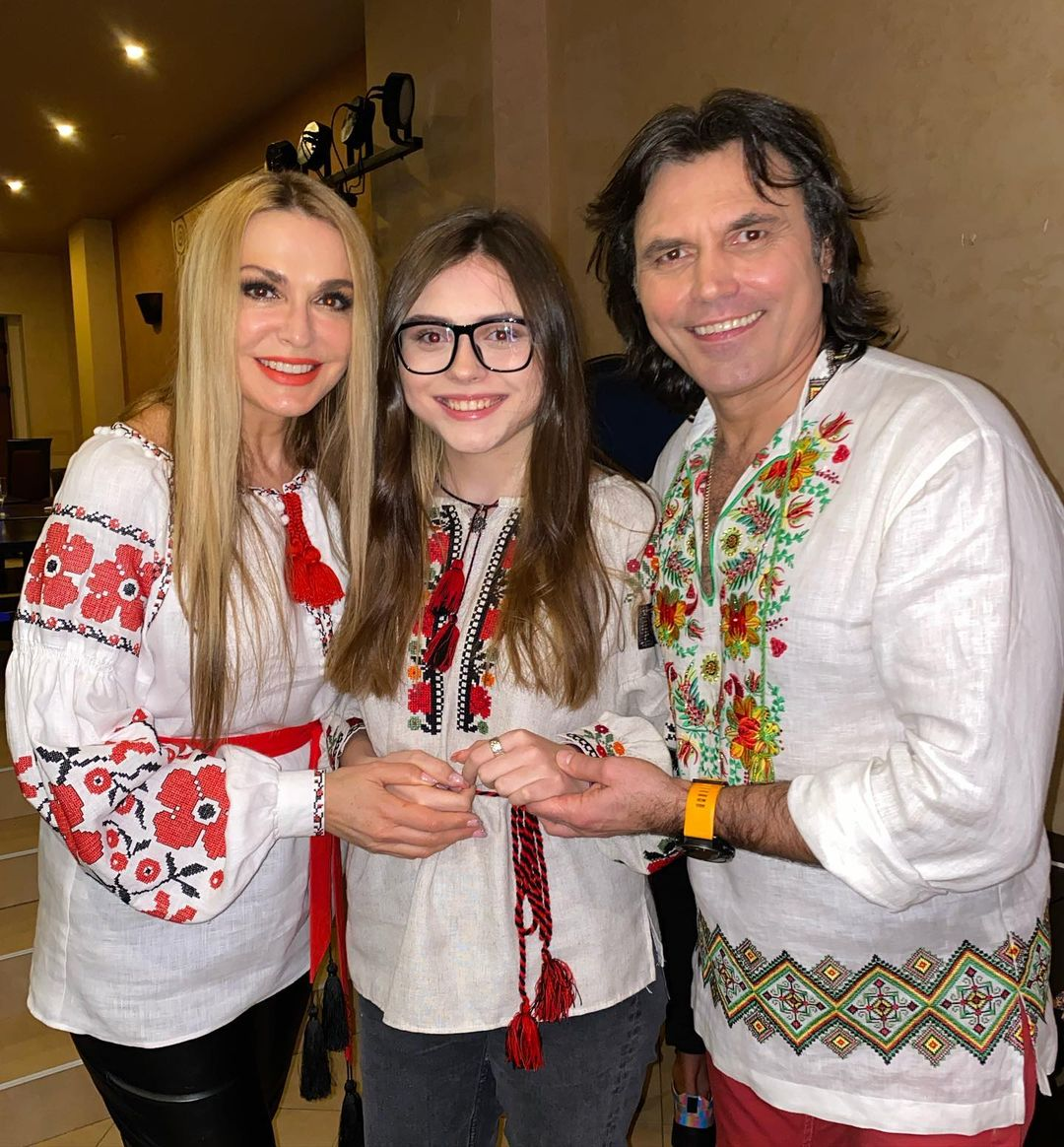 День вышиванки в Инстаграме Елены Зеленской, Оли Поляковой и Кати Осадчей