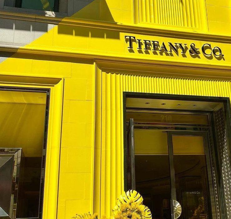Tiffany & Co. відкрили новий бутик – вперше в жовтому кольорі