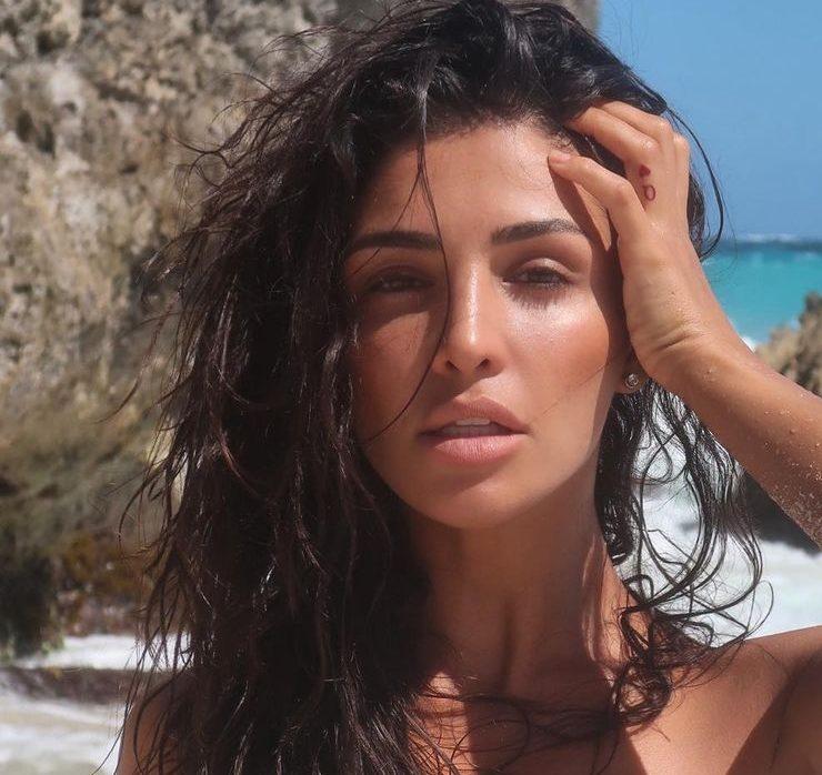 Зразок для наслідування: найкращі пляжні фото іменинниці Санти Дімопулос