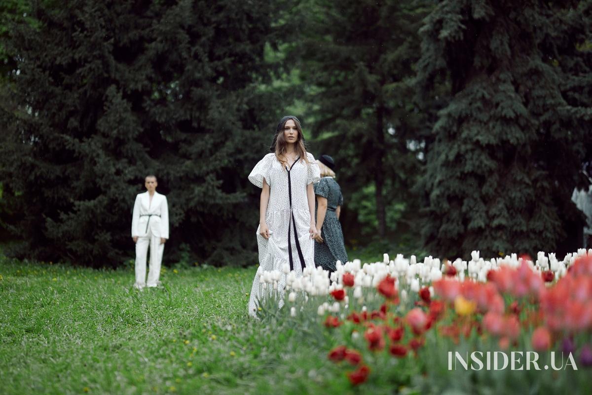 Дефиле под дождем: Катя Осадчая и Андре Тан показали совместную коллекцию