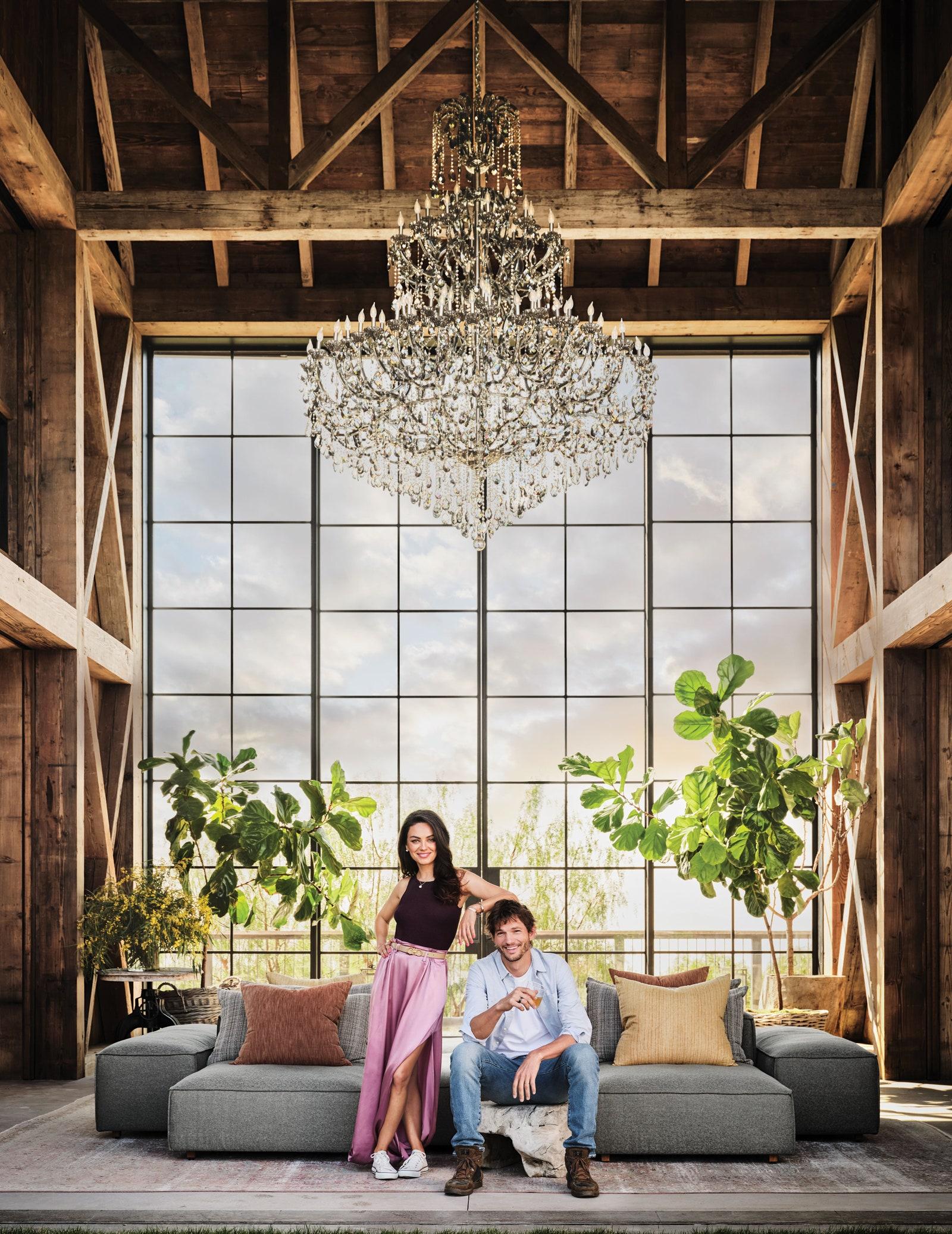 В гостях у Міли Куніс і Ештона Катчера: інтер'єр нового будинку пари в Лос-Анджелесі