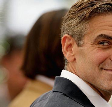 Джордж Клуни приглашает фанатов в гости. Но он ужасный сосед!