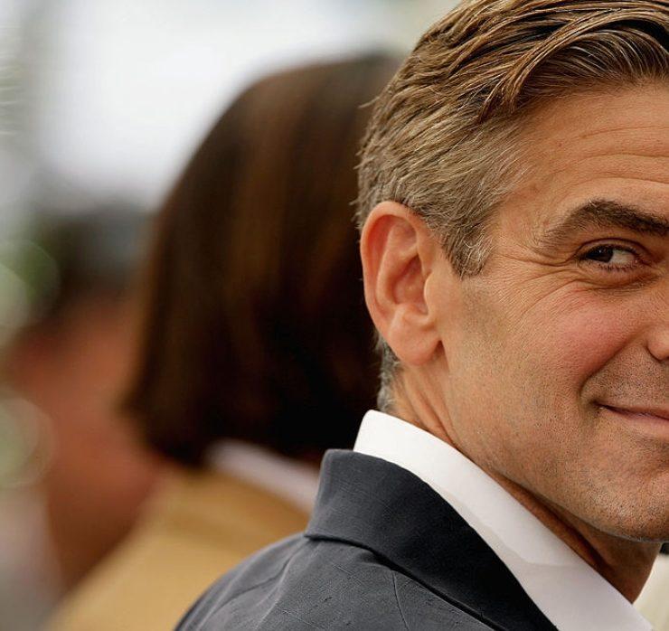 Джордж Клуні запрошує фанатів в гості. Але він жахливий сусід!