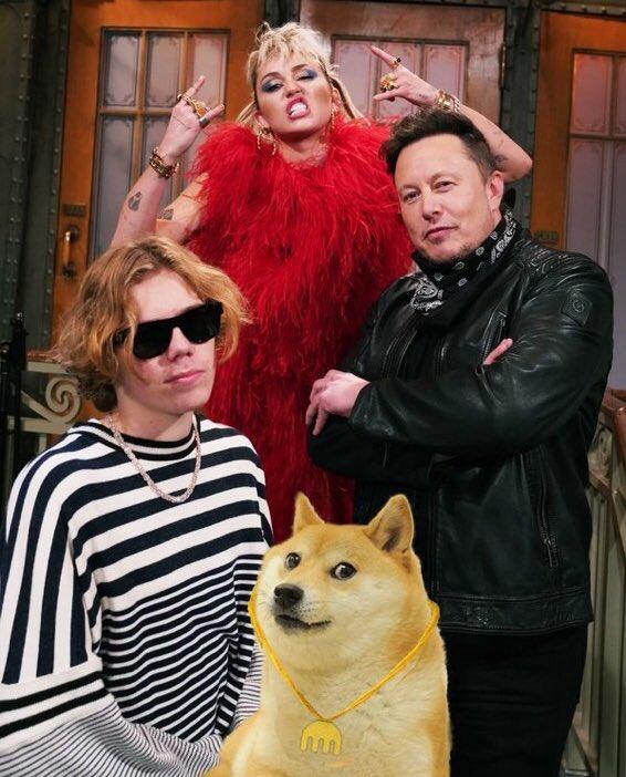 Илон Маск в Saturday Night Live признался в психической болезни и обвалил криптовалюту Dogecoin