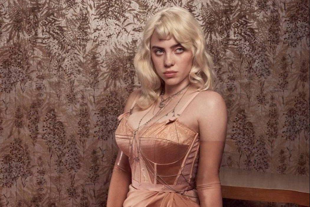 В Gucci и Burberry: провокационная съёмка Билли Айлиш для Vogue