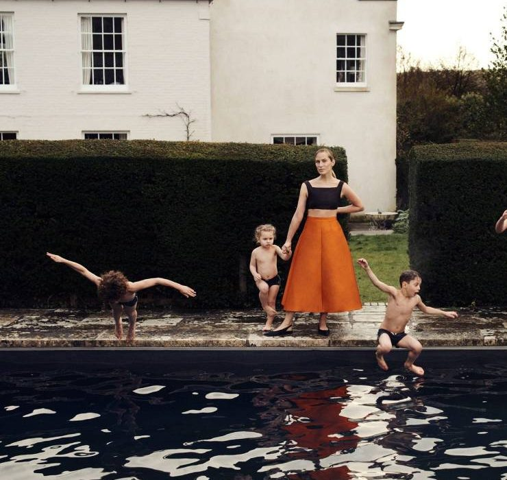 Жіноча сила та материнство у новій колекції Emilia Wickstead