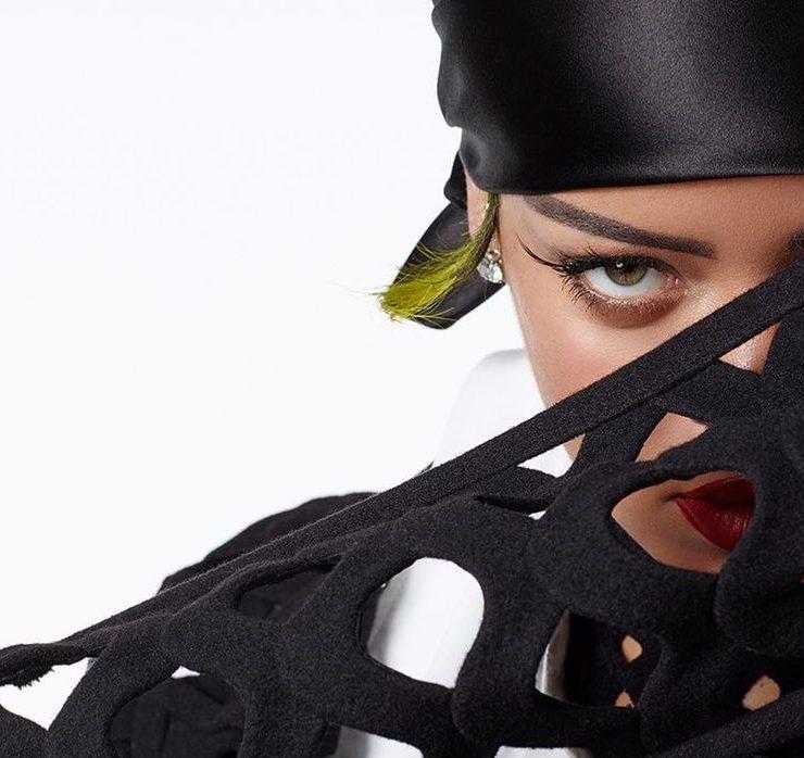 У Valentino, Raf Simons і Savage: Ріанна у новій зйомці для Vogue