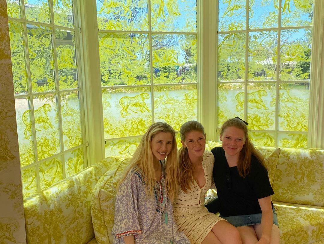 Дочь Билла и Мелинды Гейтс устроила девичник