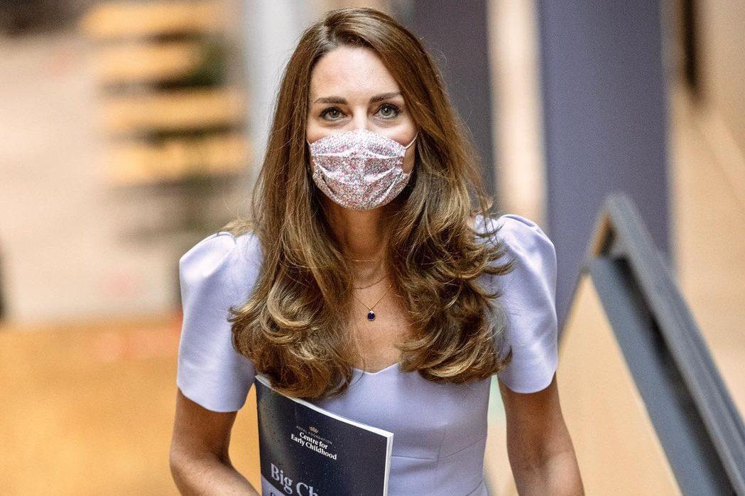 В оттенке лаванды: новый безупречный выход Кейт Миддлтон