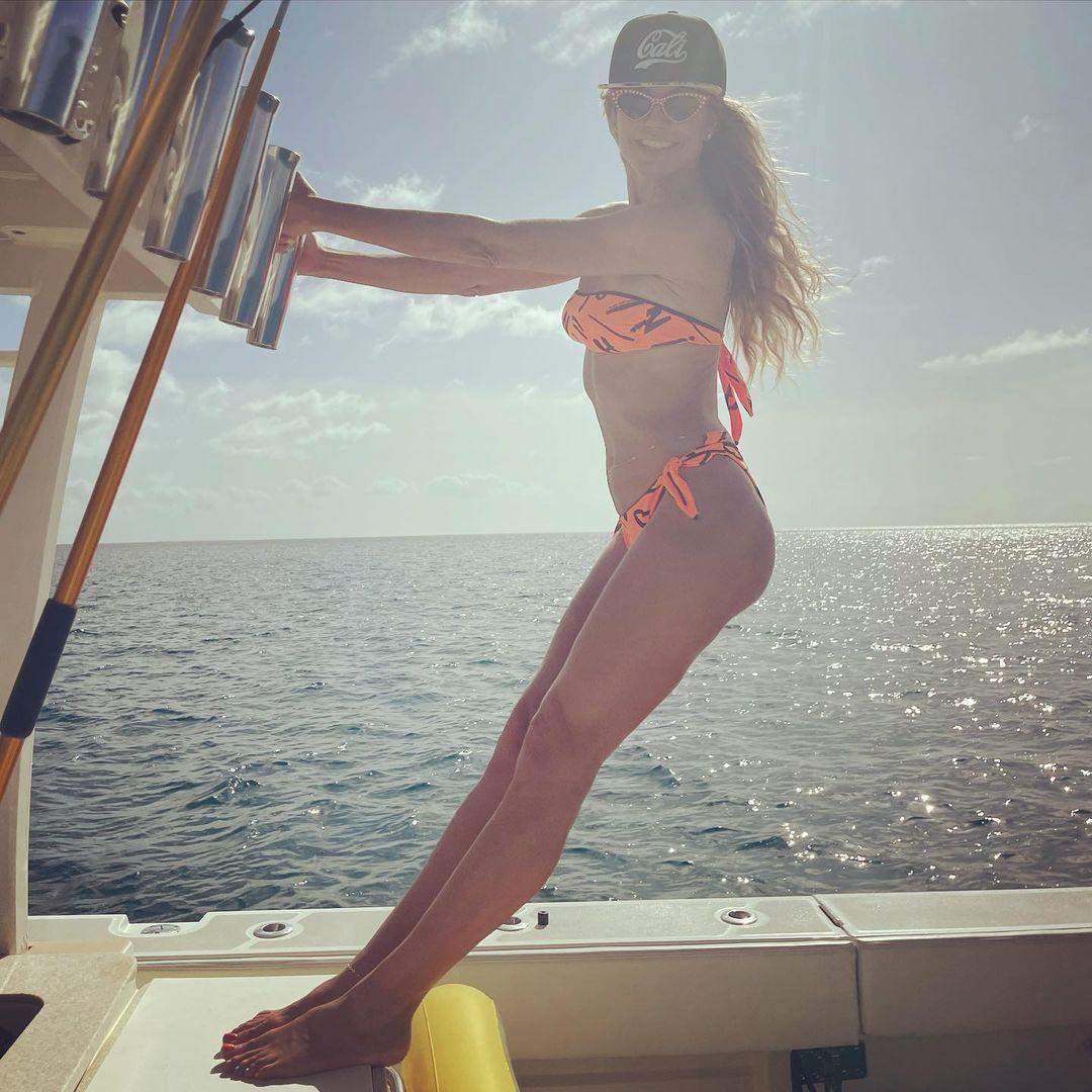Романтический vibe: Хайди Клум и Том Каулитц отдыхают у океана