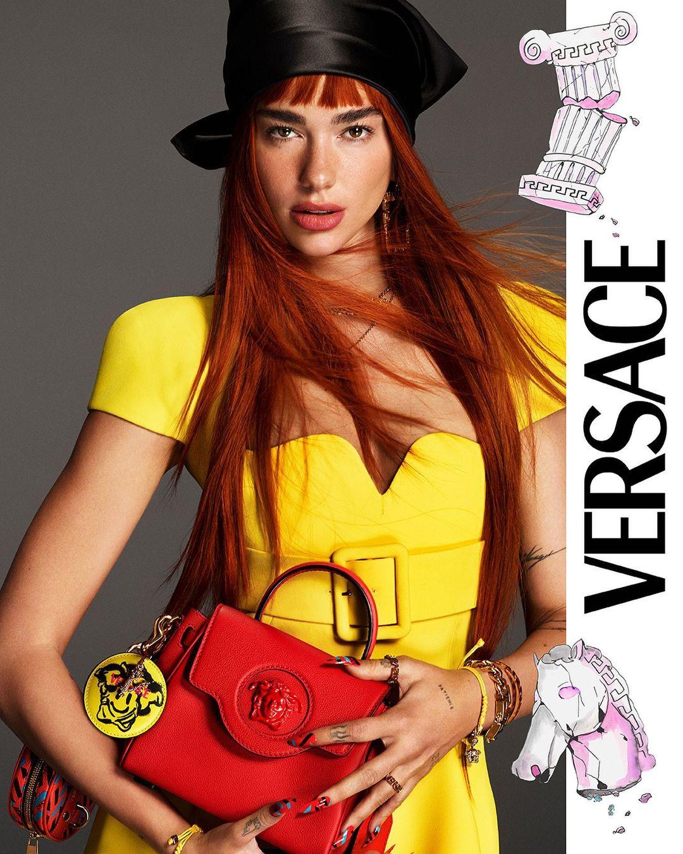 Дуа Липа примерила огненно-рыжий цвет в новом кампейне Versace
