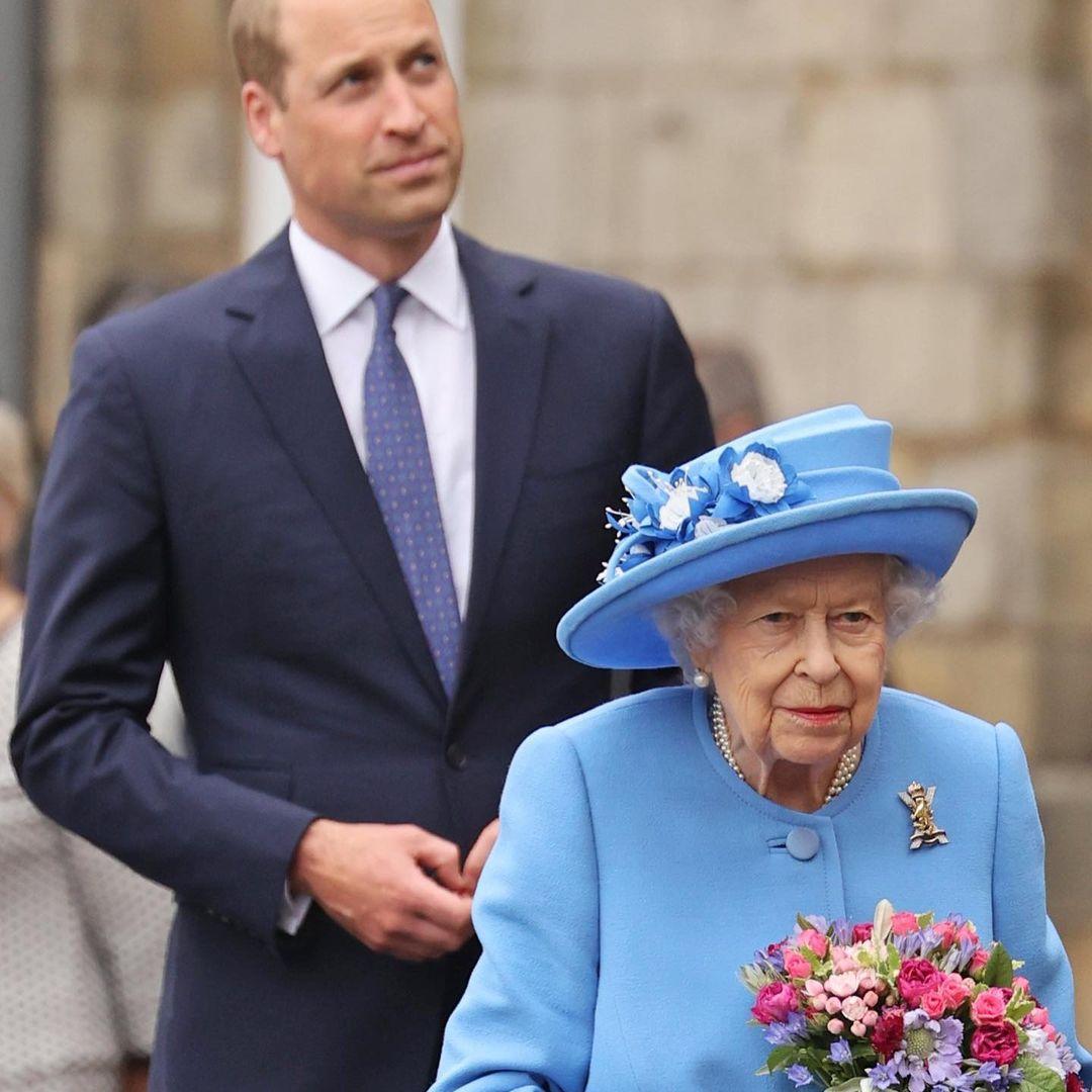 Елизавета II и принц Уильям отправились в летний тур по Шотландии