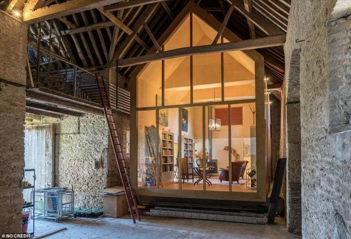 Загородный коттедж, в котором жил Хью Грант: рассматриваем интерьер