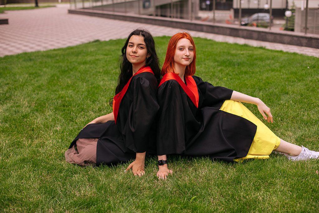 Освіта за кордоном: досвідом діляться зіркові мами Єлизавета Юрушева, Аліна Алієва та Лана Кауфман