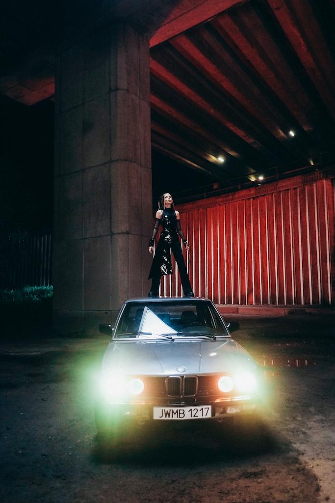 «Новая» Надя: DOROFEEVA представила клип на сингл «Почему»