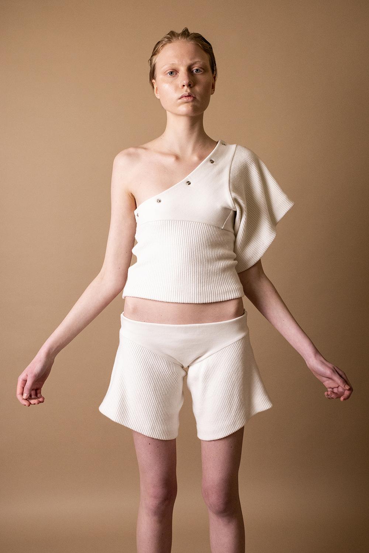 Одежда-трансформер в новой коллекции DZHUS AW'21