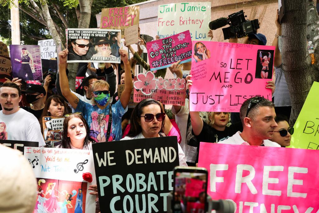 «Я не в порядке. Я несчастлива»: Бритни Спирс впервые выступила в суде против своего отца